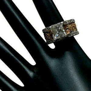 STERLING SILVER AND CUBIC ZIRCONIA STATEMENT RING